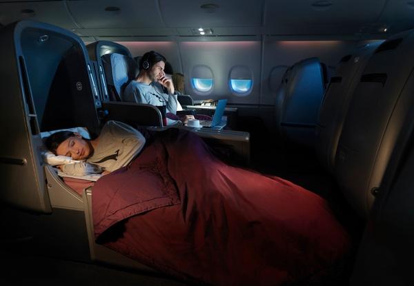 QF_A380_lady sleeping