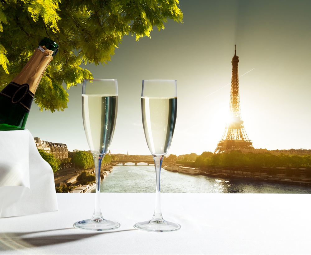 champaign Glasses and  Eiffel tower in Paris.jpeg